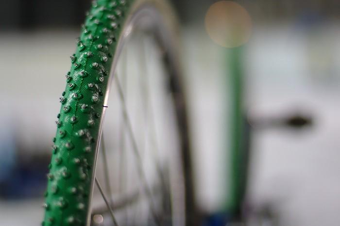 Icycle 2010: Studded bike tire